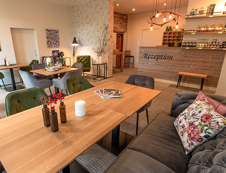 DSC_1344-lounge.jpg